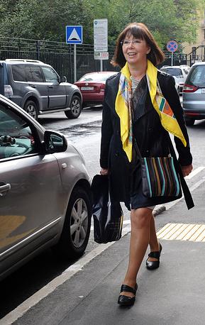 Актриса Евгения Симонова во время сбора труппы Московского академического театра имени Вл. Маяковского, 2013 год