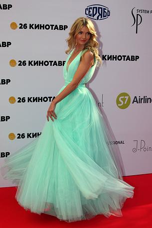 Актриса Наталья Бардо