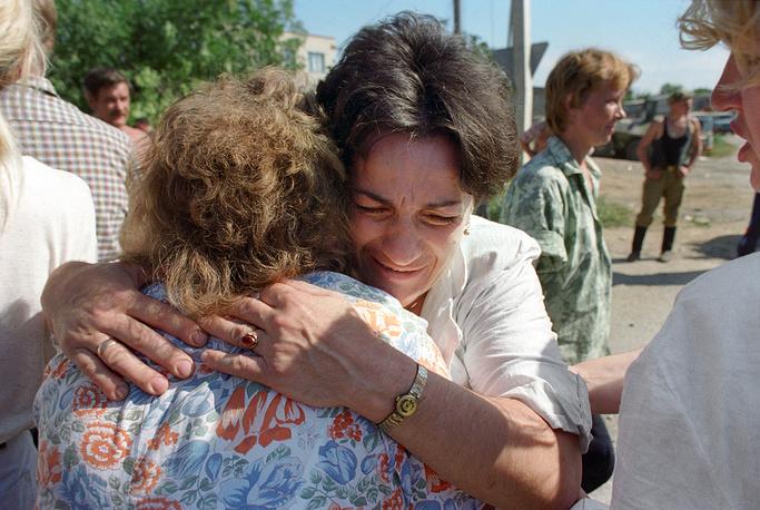 14 июня в Ставропольском крае было объявлено Днем памяти жертв нападения на Буденновск. В городе на территории больничного комплекса и РОВД установили памятники жертвам теракта