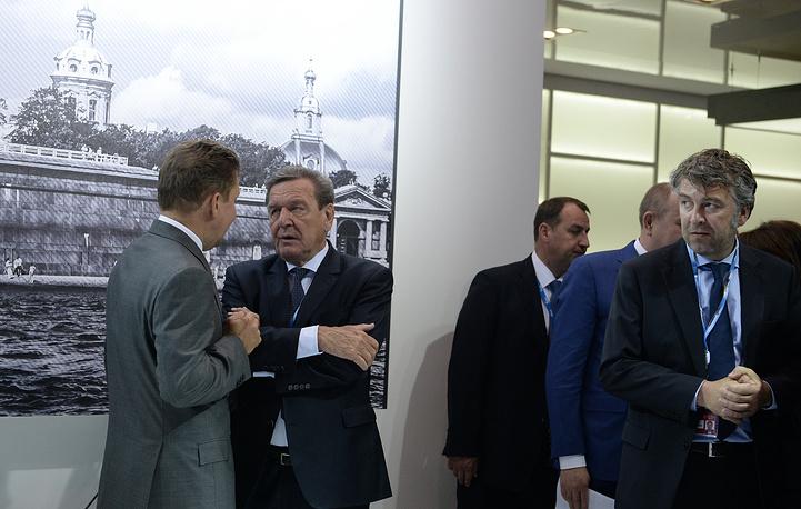 """Председатель правления ОАО """"Газпром"""" Алексей Миллер и бывший канцлер Германии Герхард Шредер"""