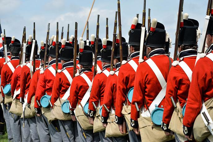 Участие в реконструкции принимают 5 тыс. пехотинцев, 360 кавалеристов и около 100 орудий