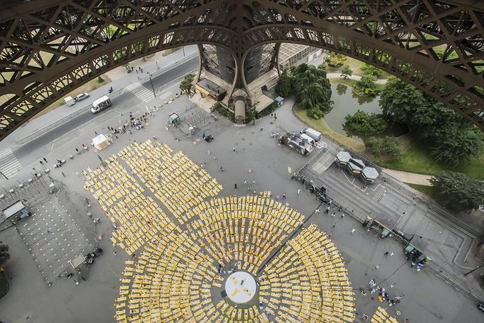 Международный день йоги, Париж, Франция