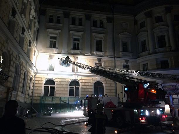 К 4 часам утра работы по ликвидации пожара были завершены