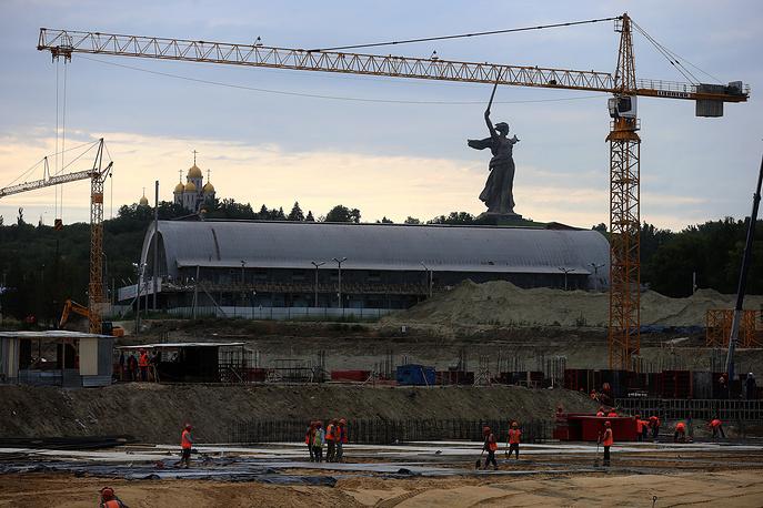 По оценкам компании, которая занимается возведением стадиона, работы по строительству стадиона выполнены на 5%