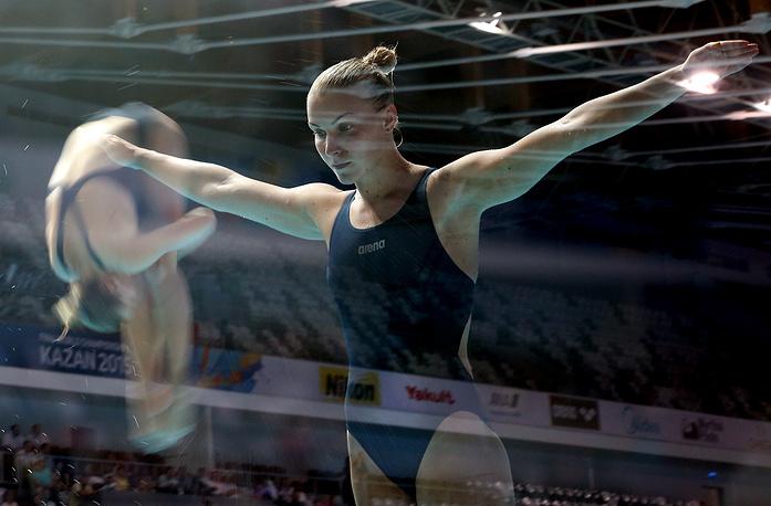 Представительница Украины Елена Федорова на соревнованиях по прыжкам в воду с трамплина 1 м, 28 июля