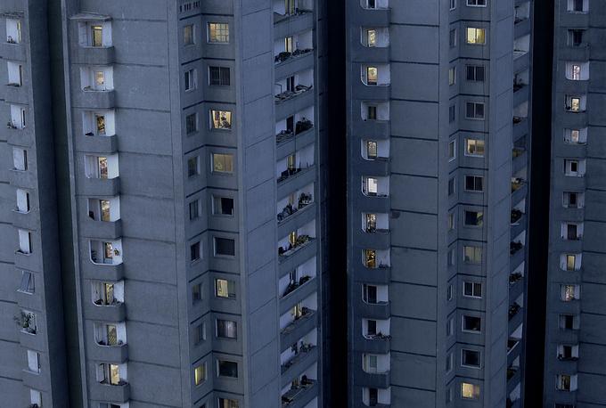 Пхеньян разделен на 19 округов и 1 уезд.  На фото: высотное жилье в Пхеньяне