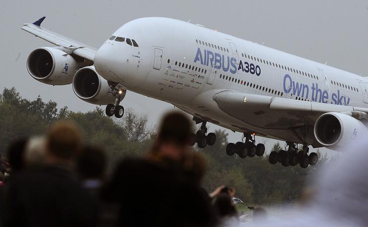 МАКС-2013: аэробус A380 во время авиашоу