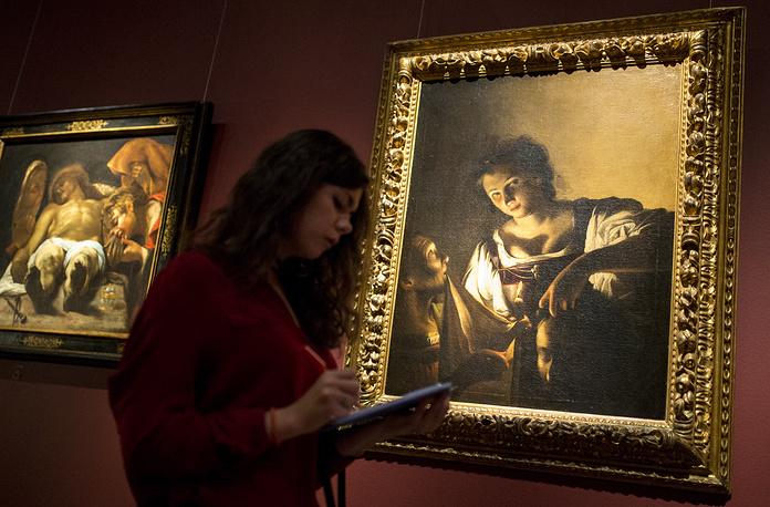 """Картины """"Оплакивание Христа"""" художника Орацио Борджанни и """"Юдифь с головой Олоферна"""" (1618 г.) художника Карло Сарачени"""
