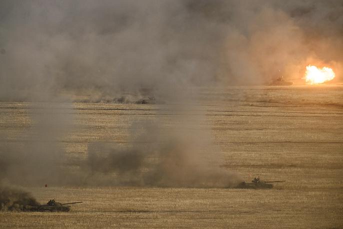 Выдвижение колонны танков Т-72 к месту ведения боя