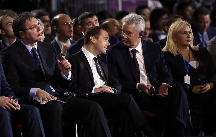 Премьер-министр Сербии Александр Вучич, премьер-министр РФ Дмитрий Медведев и мэр Москвы Сергей Собянин