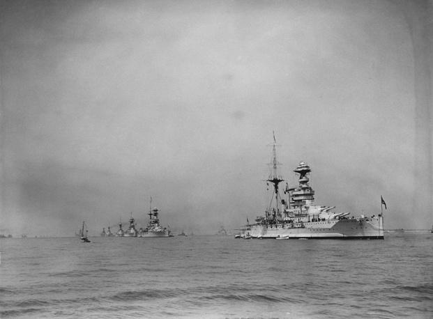 Дредноут линкор HMS Queen Elizabeth. 1935 год