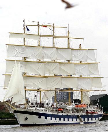Парусник Royal Clipper на Темзе в Лондоне. Великобритания, 2000 год