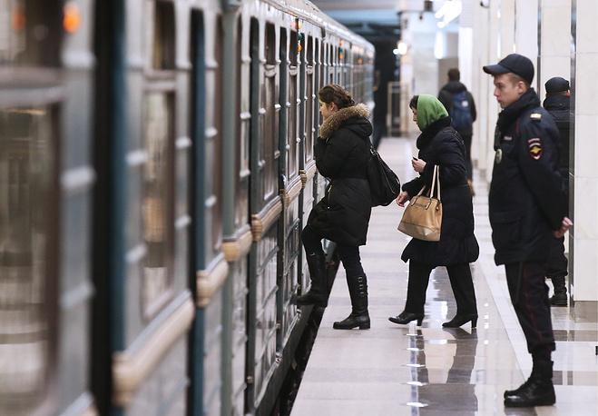 """""""Саларьево"""" стала второй станцией метро на территории Новой Москвы. Она  расположена за МКАД между Киевским шоссе и деревней Саларьево"""
