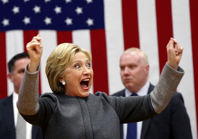 Кандидат в президенты от демократов Хиллари Клинтон во время выступления в рамках предвыборной гонки, 29 февраля