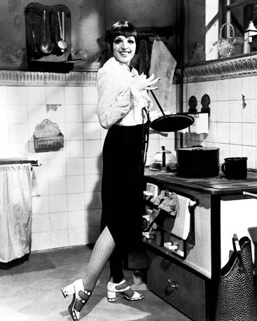 "Лайза Миннелли в образе Салли Боулз в мюзикле ""Кабаре"", март 1972 года"