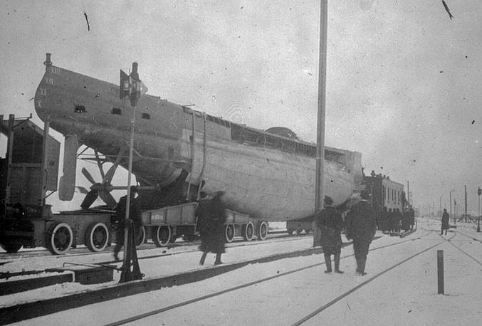"""Транспортировка подводной лодки """"Фельдмаршал граф Шереметев"""" во Владивосток"""