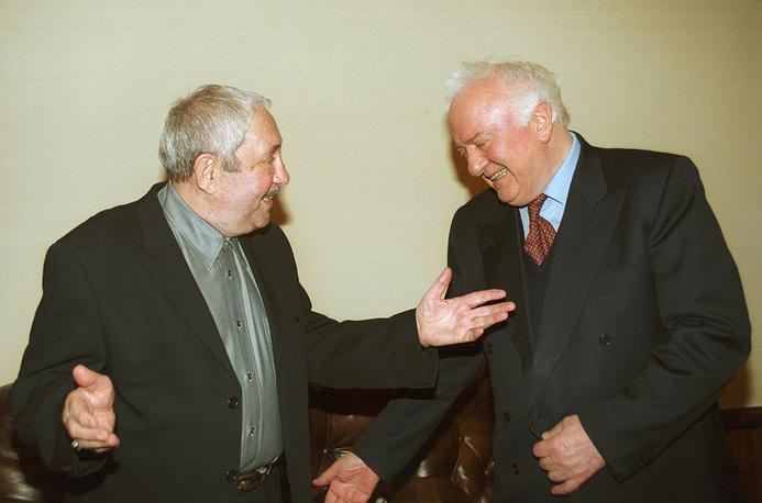 На приеме у президента Грузии Эдуарда Шеварднадзе (справа), 2001 год