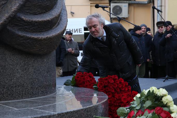 Художественный руководитель Мариинского театра, дирижер Валерий Гергиев во время церемонии открытия памятника балерине Майе Плисецкой