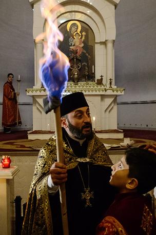 Священник на богослужении