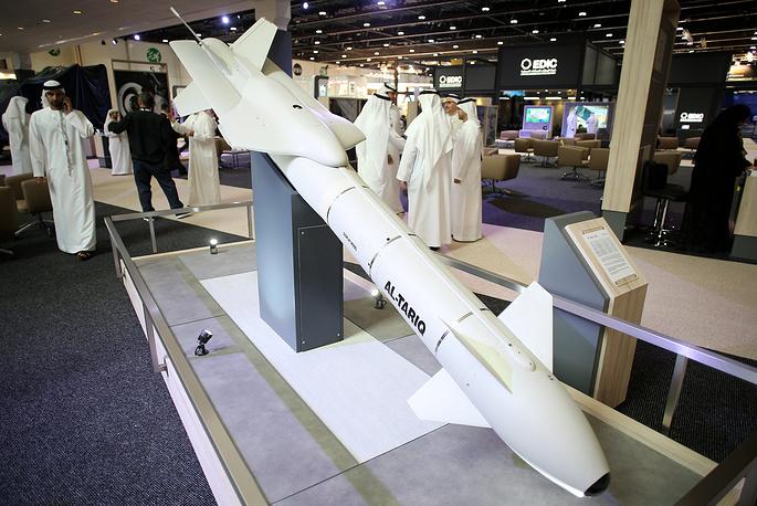 Экспозиция выставки IDEX 2017 в Абу-Даби