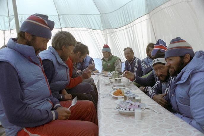Завтрак в базовом лагере