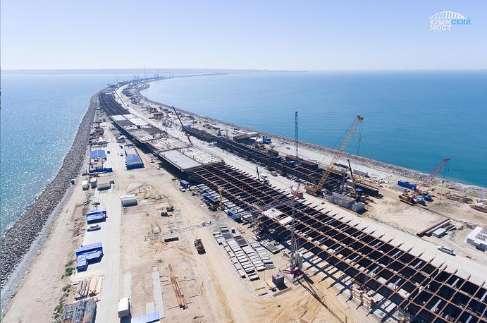 НаКубани строители завершили строительство 50% опор Крымского моста
