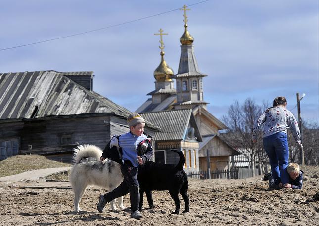 Жители села Кузомень