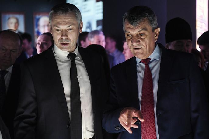 Врио губернатора Новосибирской области Андрей Травников и полномочный представитель президента РФ в Сибирском федеральном округе Сергей Меняйло