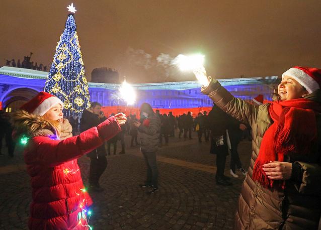 На Дворцовой площади в Санкт-Петербурге