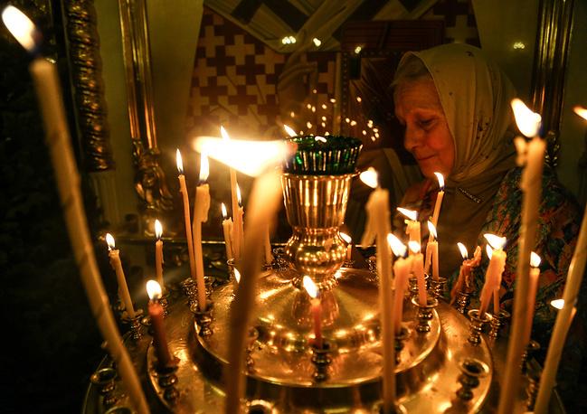 Владивосток. Во время Рождественского богослужения в Покровском кафедральном соборе