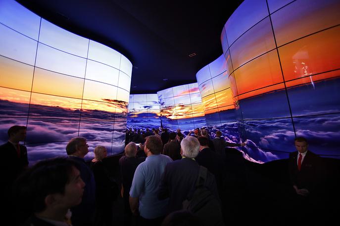 Установка из дисплеев LG OLED