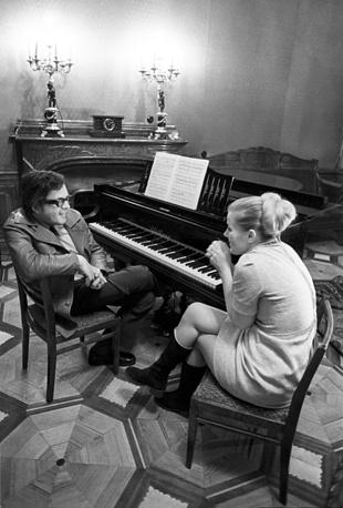 С композитором Андреем Петровым, 1974 год