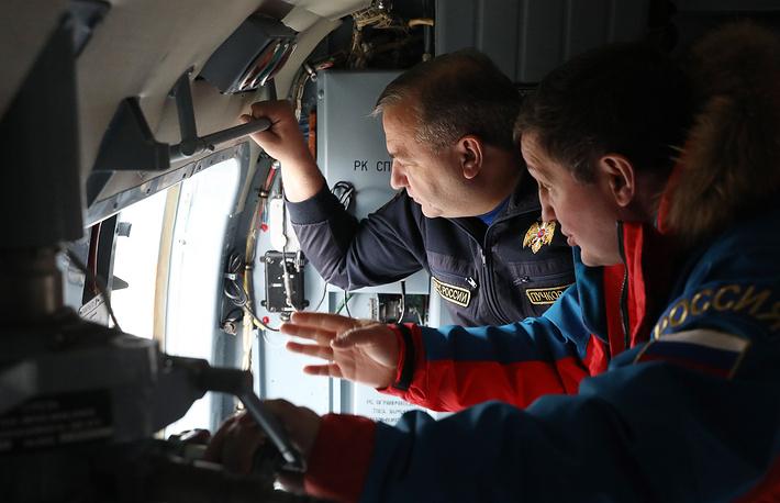 Глава МЧС РФ Владимир Пучков и губернатор Волгоградской области Андрей Бочаров