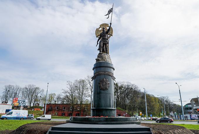 Невский наНевском. ВКалининграде открыли монумент огромному правителю