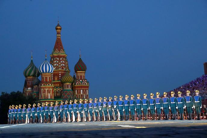 НаКрасной площади начался фестиваль «Спасская башня»