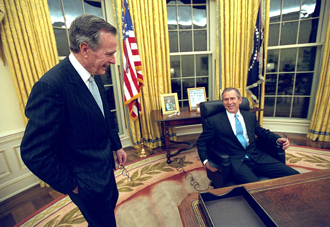 С Джорджем Бушем-младшим в день его инаугурации на пост президента США в Белом доме, 2001 год