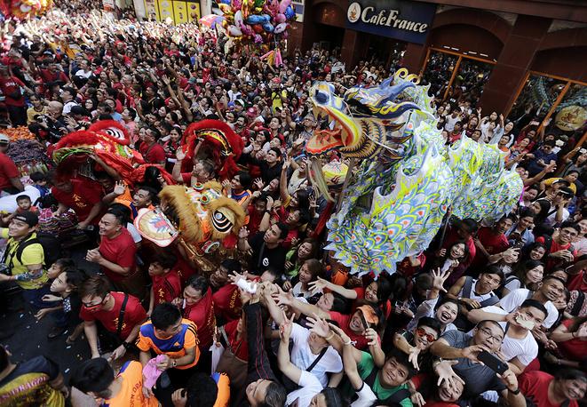 Танец дракона в Маниле, Филиппины