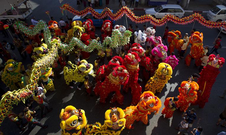 Танцы драконов в Янгоне, Мьянма