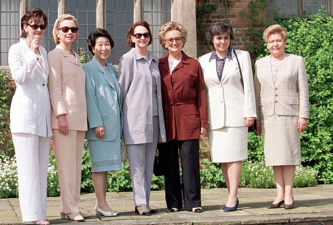 """Супруги лидеров глав государств и правительств стран """"Большой восьмерки"""" . Великобритания, 1998 год"""