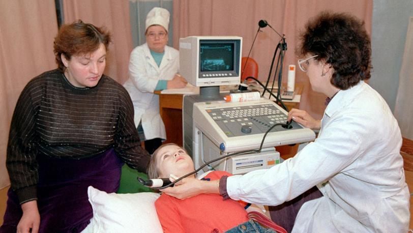 Максим Юров с мамой на приеме у врача. Диагноз - увеличение щитовидной железы