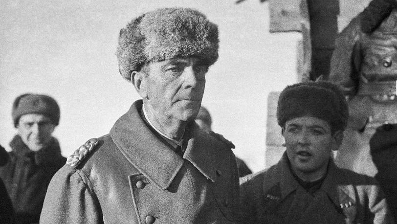 Сдавшийся в плен фашистский генерал-фельдмаршал Паулюс