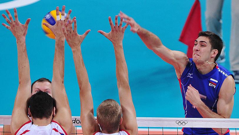 Дмитрий Ильиных (справа)