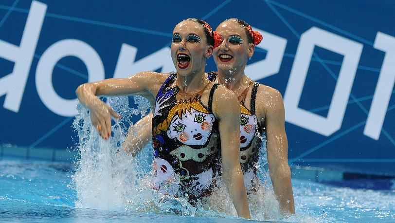 Н. Ищенко и С. Ромашина стали чемпионками по синхронному плаванию