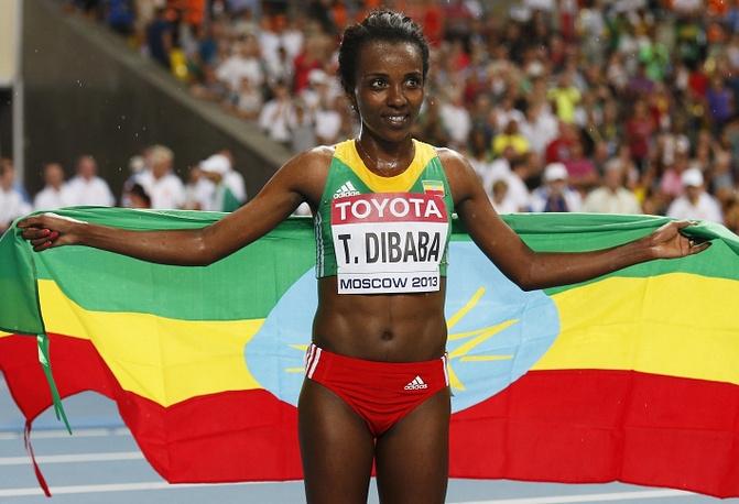 Чемпионка в беге на 10000 метров Тирунеш Дибаба /Эфиопия/