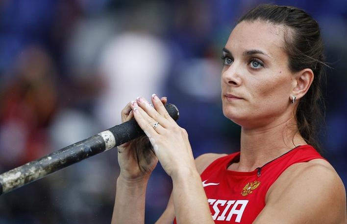 Елена Исинбаева успешно преодолела квалификационные соревнования