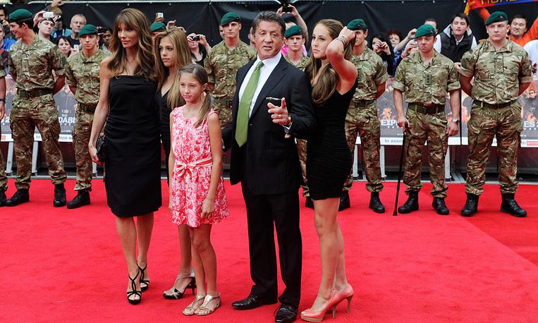 Сильвестр Сталлоне с женой и детьми
