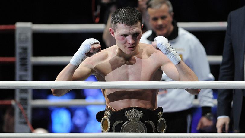 Александр Бахтин после победы над боксером Неомаром Сермено