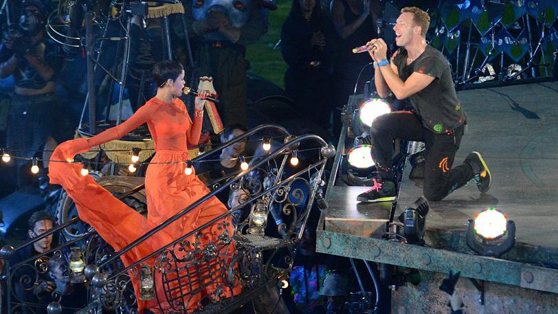 Певица Рианна и Крис Мартин (Coldplay)
