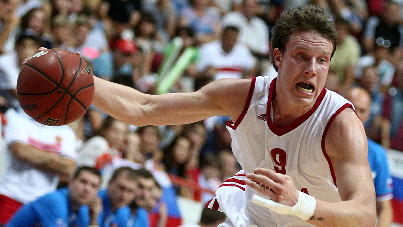 Игрок сборной России Дмитрий Кулагин