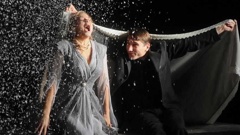 Ирина Пегова (Наталья Асорина) и Сергей Угрюмов (Павел Асорин)